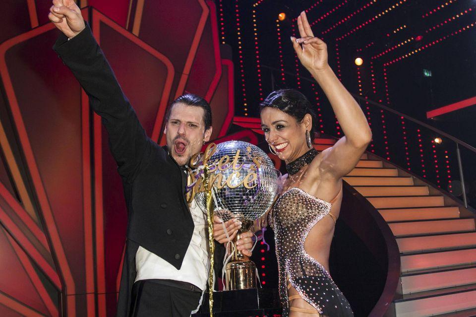 """""""Let's Dance""""-Gewinner 2013  Schauspieler Manuel Cortez und Tänzerin Melissa Oritz-Gomez."""