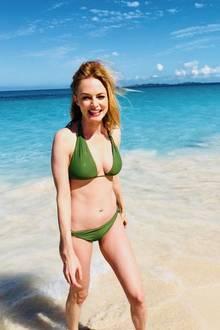 """Über 30 Jahre ist es her, dass Heather Graham ihre erste Filmrolle bekam. Heute ist die 48-Jährige ein bekanntes TV-Gesicht und beweist mit diesen Bikinifotos, dass der Titel der """"heißesten Schauspielerin der Welt"""" auch heute noch aktuell sein könnte."""