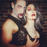 31. Oktober 2016  Happy Halloween von Rebecca Mir und Massimo Sinato. Das Pärchen schaut ja schaurig aus.