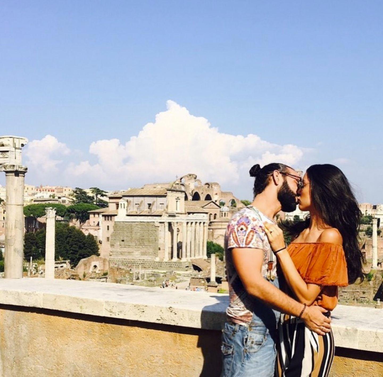 2. August 2017  Kuss-Quiz- Erkannt, wo Rebecca und Massimo knutschen? Richtig, es ist Rom!