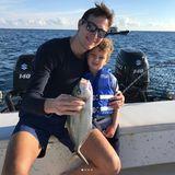 26. Dezember 2017  Ein traumhafter Angelausflug mit Papa: Jared Kushners Sohn Joseph bestaunt den großen Fang.