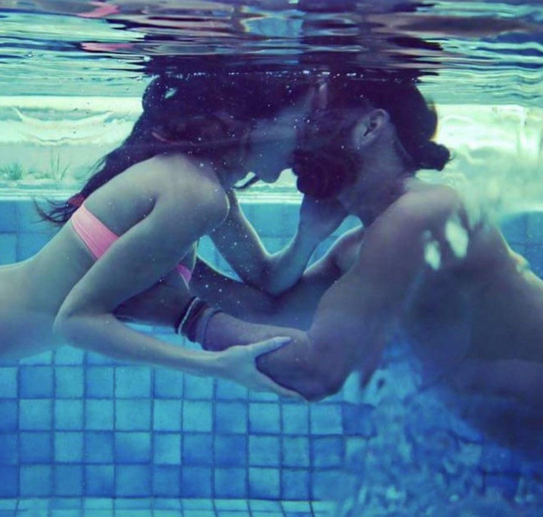 4. Oktober 2017  Unterwasserliebe. Massimo und Rebecca knutschen für ihr Leben gern.