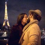 16. Dezember 2017  Küsse in Paris. Romantisch wie immer knutschen Massimo und Rebecca am Eiffelturm.