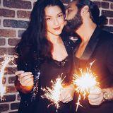 31. Dezember 2017  Das Pärchen Rebecca Mir und Massimo Sinato wünschen ein ein frohes neues Jahr.
