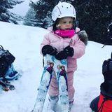 """1. Februar 2018  Prinzessin Gabriella macht sich bereit für eine gute Runde Skifahren. Das rosa Outfit und ihre """"Die Eiskönigin""""-Skier lassen das Foto vor Niedlichkeit nur so strotzen."""
