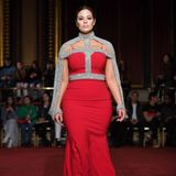 Plus-Size Model Ashley Graham für Christian Siriano Herbst/Winter 2018/19.