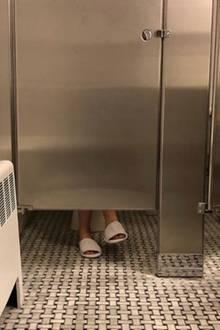 So sieht also ein Toilettengang bei Victoria Beckham aus.
