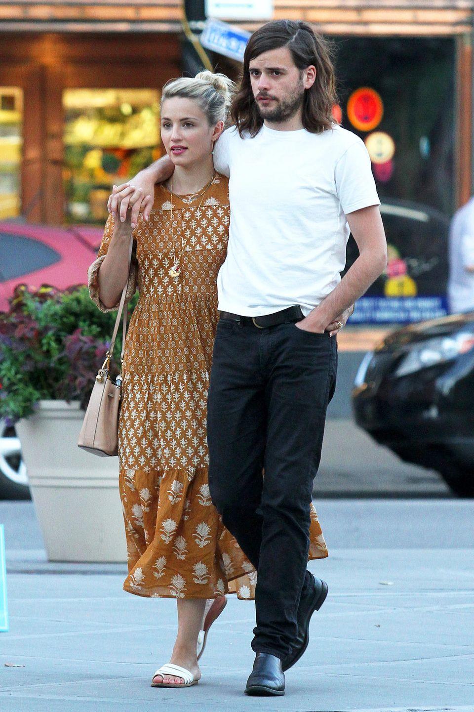 Ein Hauch von Hippie-Romantik umweht Dianna Agron und Winston Marshall bei ihrem spätsommerlichen Date im New Yorker East-Village.