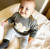 28. Januar 2018  Der kleine Cooper fühlt sich sichtlich wohl in seinem neuen Pullover.