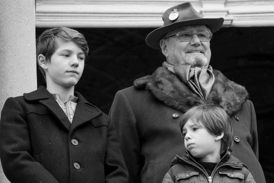 Prinz Henrik mit zwei seiner Enkelsöhne