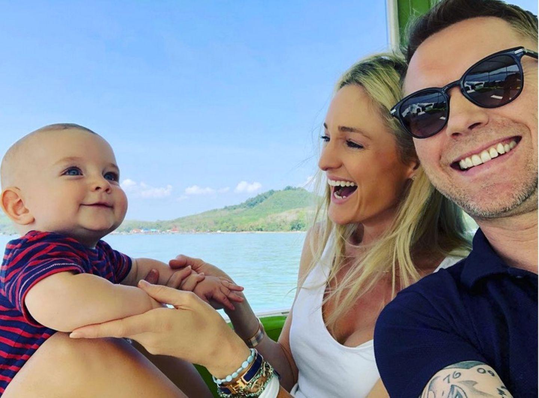 14. Februar 2018  Zum Valentinstag sendet die Familie Keating herzliche Grüße aus dem warmen Thailand.