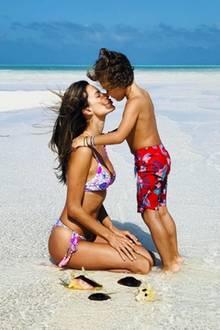 14. Februar 2018  Auch für den Sohn Noah hat Mama Alessandra Ambrosio ein Valentinsküsschen.
