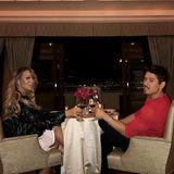 Mariah Carey und Freund Bryan Tanaka stoßen auf die Liebe an.