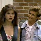 """Charlie Schlatter  Jennifer Aniston und Schlatter lernten sich am Set der Sitcom """"Ferris Bueller"""" kennen (1990 - 1991). Doch schon nach kurzer Romanze war Schluss."""