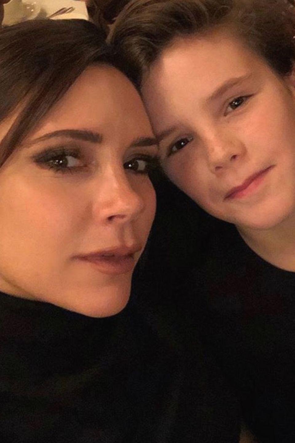 12. Februar 2018  Der 12-jährige Cruz Beckham ist Mutter Victoria wie aus dem Gesicht geschnitten. Der Kleine ist ihr ganzer Stolz.