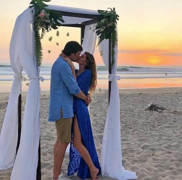 Romantischer kann es wohl kaum sein. Dieses schöne Foto postet Gisele Bündchen von sich und ihrem Mann Tom Brady an Valentinstag.