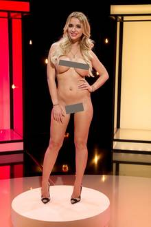 """Bei """"Naked Attraction"""" sucht die nackte Cathy Lugner ihren Traummann"""
