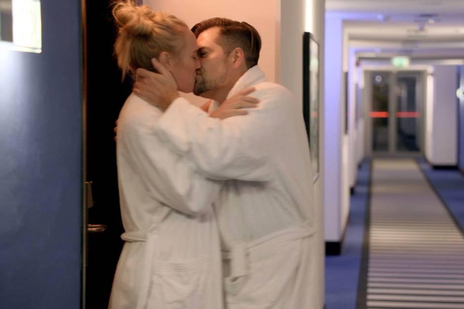 """""""GZSZ""""-Hammer: Maren (Eva Mona Rodekirchen) und Leon (Daniel Fehlow) schlafen miteinander"""