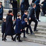 20. Februar  Prinzessin Mary und Prinz Frederik mit ihren vier Kindern auf dem Weg in die Kirche.