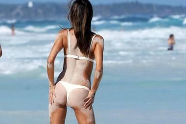 Das Leben von Topmodel Alessandra Ambrosio scheint ein einziger, großer Urlaub zu sein. Aktuell sonnt sie ihren Traum-Körper am Strand von Tulum in Mexiko.