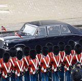 20. Februar 2018  Die königlichen Autos sind vorgefahren und bringt die Familie um Königin Margrethe zu einem privaten Zusammensein nach Schloss Amalienborg.