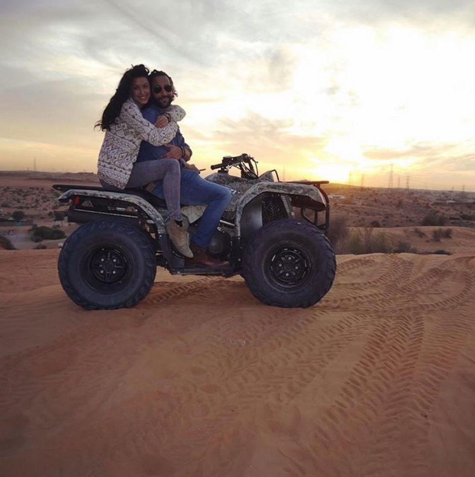 """2. Februar 2018  """"Ich vermisse die Sonne"""", postet Massimo Sinató aus dem winterlichen Deutschland. Zu sehen ist ein Throwback-Foto von Rebecca Mir und ihm im vergangenen Dubai-Urlaub."""