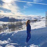 Die schwangere Sila Sahin nutzt die schöne Winterlandschaft in ihrer Neuheimat im norwegischen Bergen für ein hübschen Selfie für ihre Instagram-Fans.