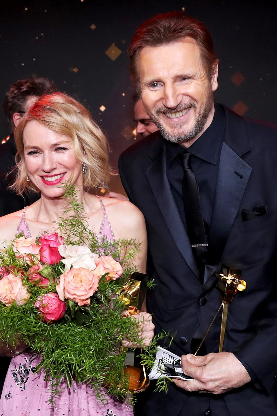 """22. Februar 2018  Internationaler Promi-Besuch in Hamburg: SchauspielerEwan McGregor, Naomi Watts und Liam Neeson werden in Hamburg mit der """"Goldenen Kamera"""" ausgezeichnet."""