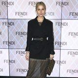 Neben der In-Clique ist auch Instagram-Star Caro Daur zu Fendi gekommen.