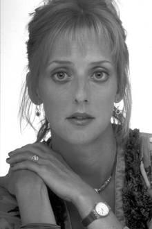"""Bei den """"British Comedy Awards"""" wird Emma Chambers in 1998 als Beste Schauspielerin ausgezeichnet. Danach folgt """"Notting Hill"""" und kurz darauf fast schon wieder da Karriereende."""