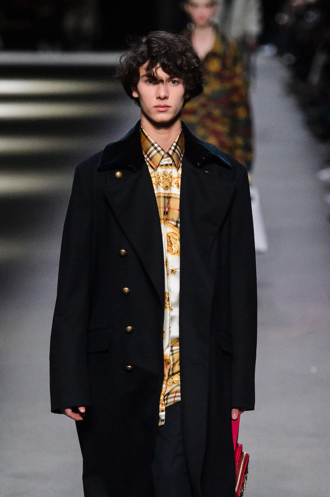 Prinz Nikolai läuft bei der Fashion Week in London am 17. Februar zum ersten Mal als Model. Aber ist das eine passende berufliche Perspektive für einen Prinzen?