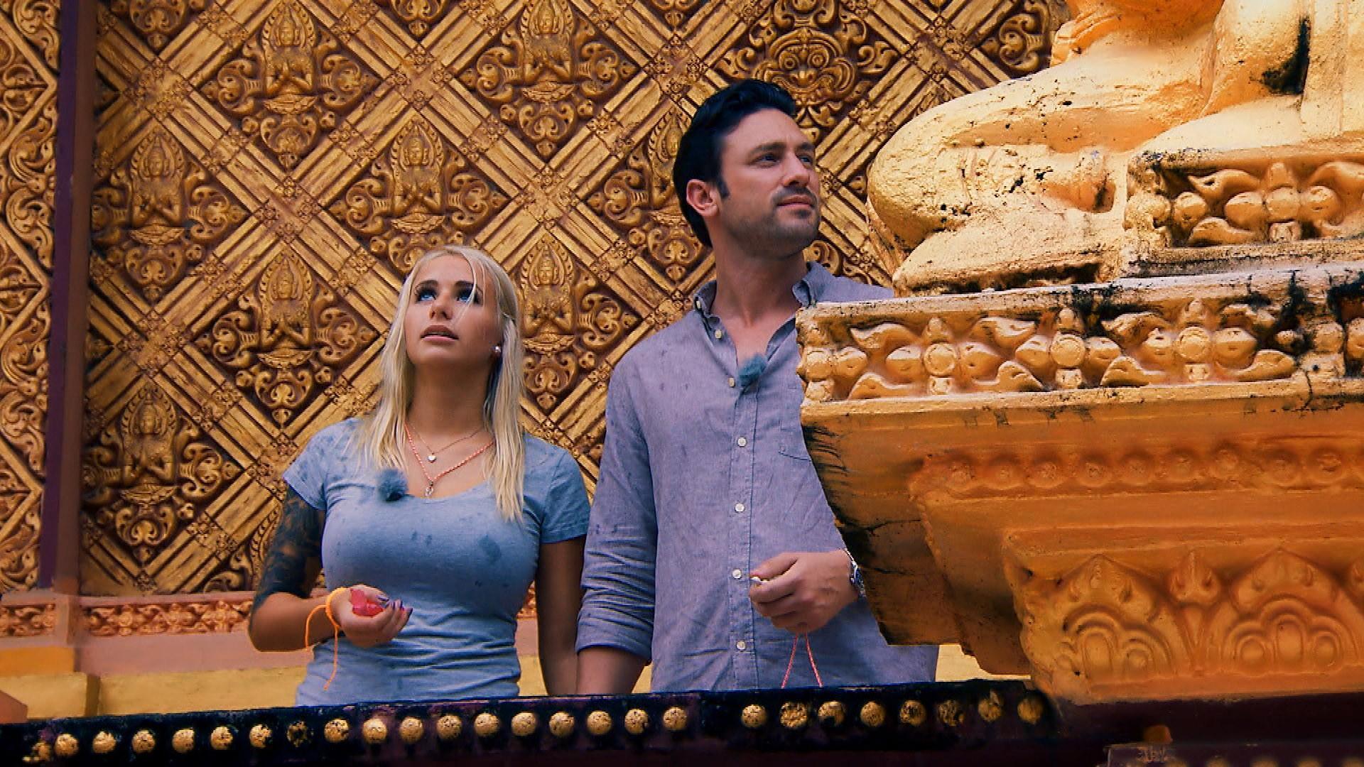 Das Dreamdate von Carina und Daniel läuft nicht ideal. Der Blondine gefällt es nicht in der Tempelanlage