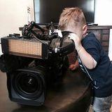 14. September 2017  Zurück in der Heimat testet der kleine Alessio seine Fähigkeiten hinter der Kamera.