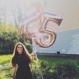 15. Oktober 2017  Happy Birthday Sarah! Anlässlich ihres 25. Geburtstages postet die Sängerin diesen Schnappschuss.
