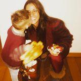6. Dezember 2017  Zum Nikolaus postet Sarah diesen süßen Schnappschuss von sich und Söhnchen Alessio.