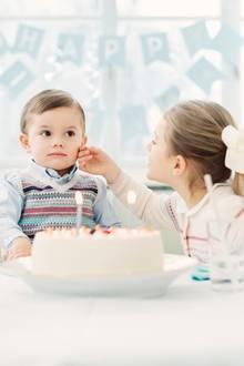 Alles Gute, kleiner Bruder! Prinzessin Estelle feiert mit Klein-Oscar seinen zweiten Geburtstag.