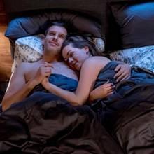 Voraussichtlich am Dienstag, den 06. März, landen Tina (Christin Balogh) und Nils (Florian Stadler, l.) im Bett