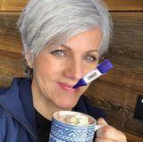 """26. Februar 2018  Diesen lustigen Schnappschuss postet Birgit Schrowange auf ihrem Instagram-Account. Die Moderatorin ist krank und kann den Abend die """"EXTRA!- Sendung nicht moderieren."""