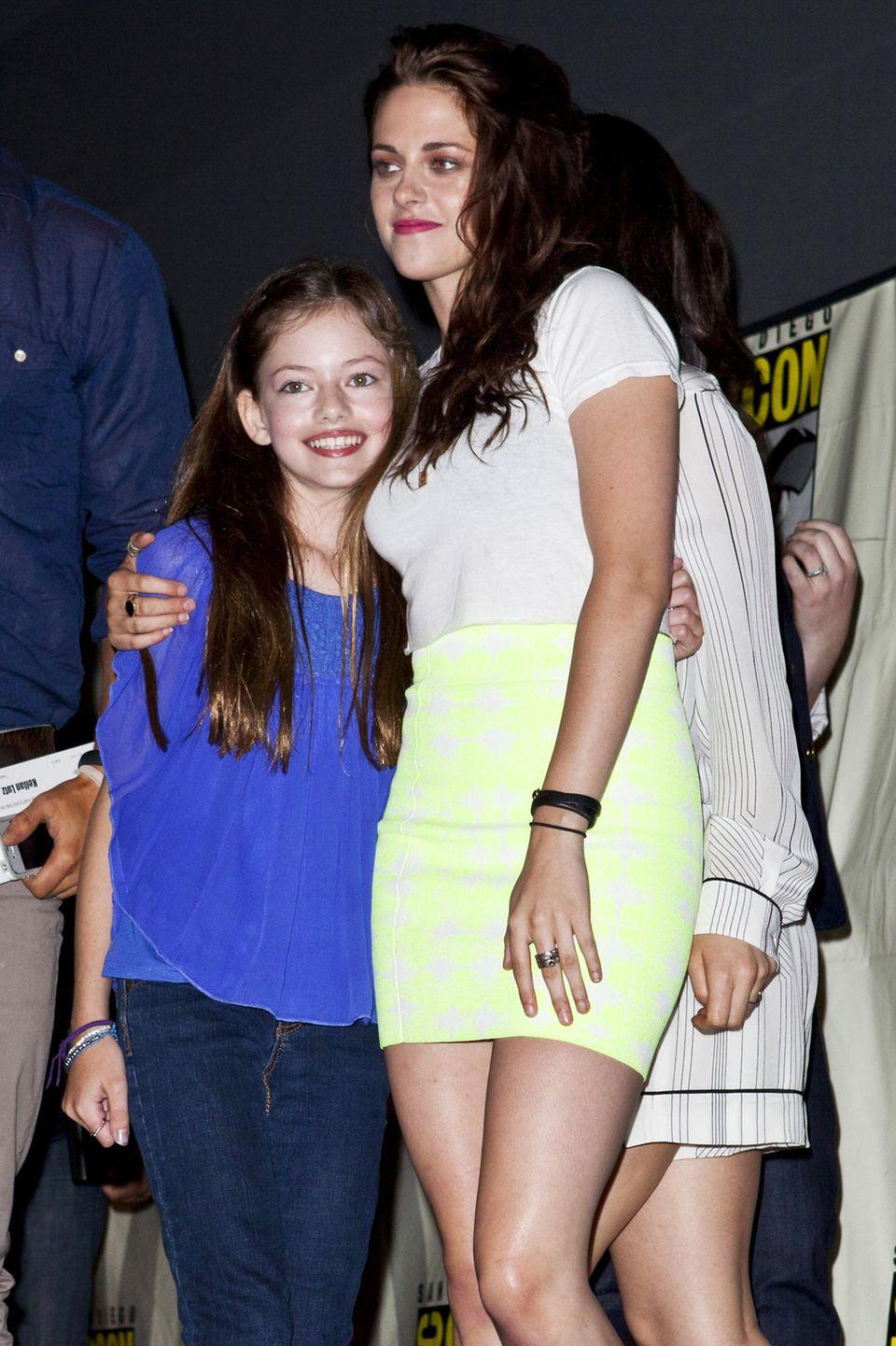 """""""Breaking Dawn""""-Fans kennen Mackenzie Foy noch als süßes Vampir-Töchterchen Renesmée. Zusammen mit ihren Film-Eltern, Robert Pattinson und Kristen Stewart, erobert sie 2011 die Kinoleinwand."""