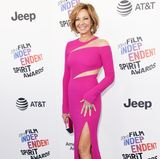 "Film Independent Spirit Awards  ""Mom""-Star Allison Janney erinnert in diesem pinken Dress ein wenig an eine Eiskunstläuferin, finden Sie nicht?"