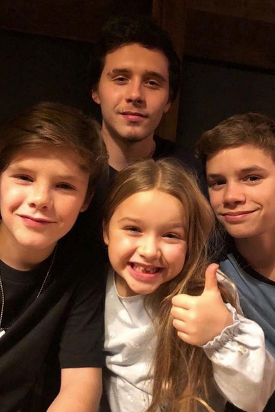 4. März 2018  Happy Birthday, Brooklyn: Dieses Foto ihrer vier Sprösslinge Brooklyn, Cruz, Harper und Romeo postet die stolze Mama Victoria Beckham zum 19. Geburtstag ihres Größten.