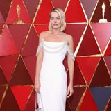 Margot Robbie in Chanel Couture