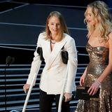 Jodie Foster zeigt sich im weißen Blazer