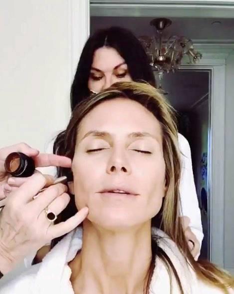 Heidi Klums Verwandlungs-Videos von der ungeschminkten Schönheit zum perfekt gestylten Model, haben bereits einen echten Kultstatus auf Instagram. Auch für die Oscars ließ sich die Blondine wieder perfekt herrichten.