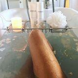 Mit einem heißen Wohlfühl-Bad bringt sich Alessandra Ambrosio für die 90. Oscar-Verleihung in Stimmung.