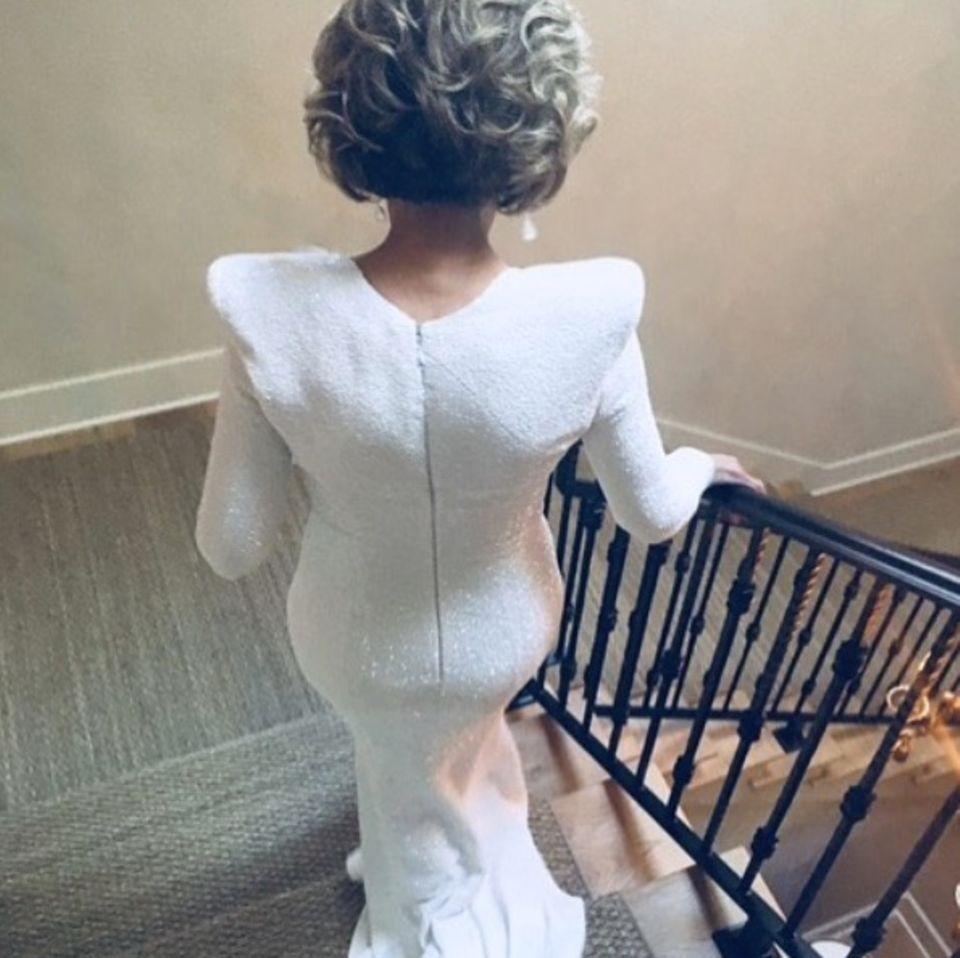 Auf geht's: Jane Fonda hat sich in Schale geworfen und ist bereit für den großen Abend.