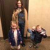 1. März 2018  Papa Alec Baldwin dreht in der Nähe ihres Hauses: In Pyjamas und Slippers wollen die Kids und Mama Hilaria Baldwin ihm einen Besuch abstatten.