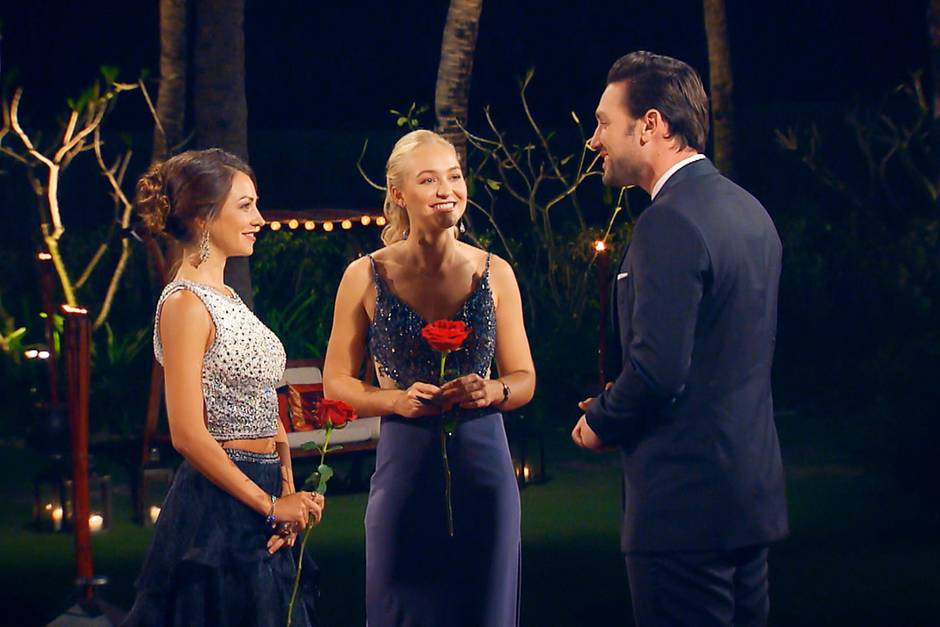 Folge 9: Der Bachelor   Die beiden Finalistinnen stehen fest: Kristina (l.) und Svenja bekommen die Chance weiter um Daniels Herz zu kämpfen.