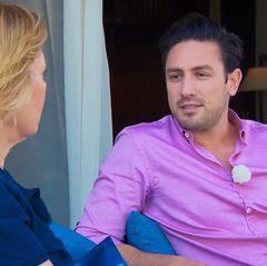 Daniel hofft auf Unterstützung von seiner Mutter Rebecca bei der Entscheidung für die richtige Liebe. Ihre Meinung ist ihm sehr wichtig.
