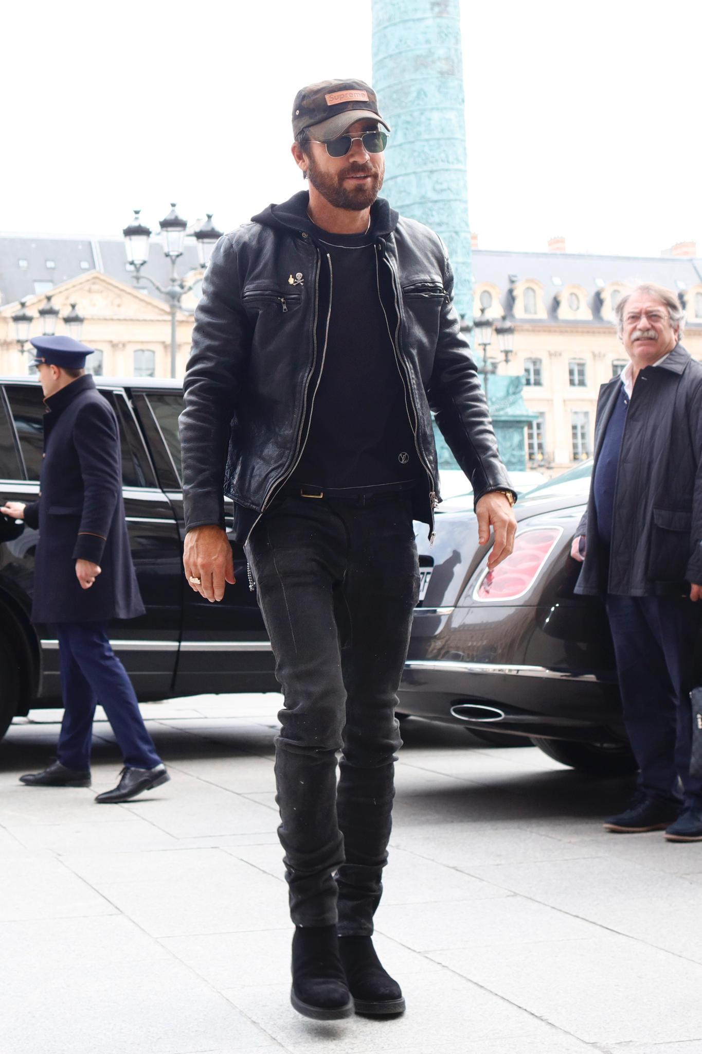 Justin Theroux ist Anfang März in Paris - der Stadt der Liebe - unterwegs.